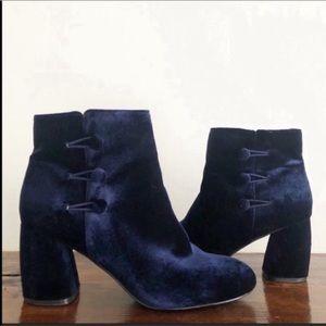 NINE WEST Dark Blue Velvet Block Heel Ankle Boots